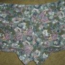 "FOREVER XXI Floral Print Denim Short Shorts 28"" waistline"