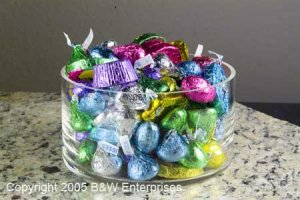 Hand blown glass bowl 24 Ozs Perfect Gift For Entertaining Candy Nut Mint Dish
