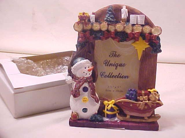 UNIQUE COLLECTION 3-D SNOWMAN CHRISTMAS PICTURE FRAME (SOLD)