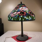 VINTAGE TIFFANY STYLE STAINED GLASS LAMP COLLECTIBLE