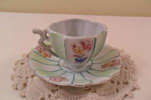 VINTAGE FOOTED TEA CUP & SAUCER FLORAL GOLD TRIM