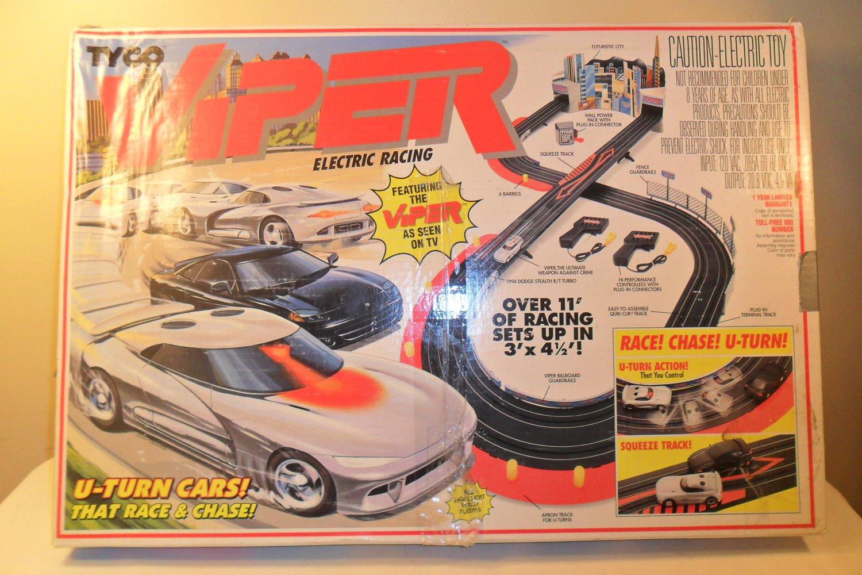 1994 Tyco Viper Electric Racing Race Chase U Turn Race Car Set