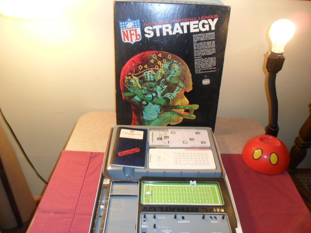 What Stores Take Paypal >> VINTAGE 1972 NFL NATIONAL FOOTBALL LEAGUE STRATEGY BOARD GAME