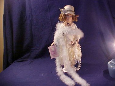 MARYLYN ROARING 20'S PORCELAIN COLLECTOR DOLL MINT
