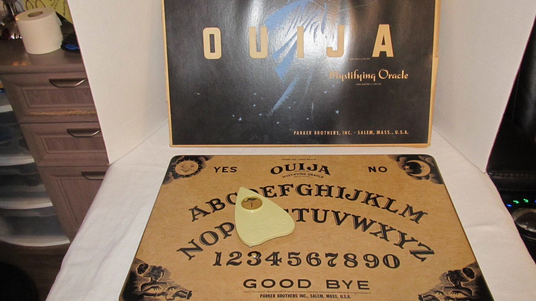 Vintage William Fuld Talking OUIJA Board set with box Rare