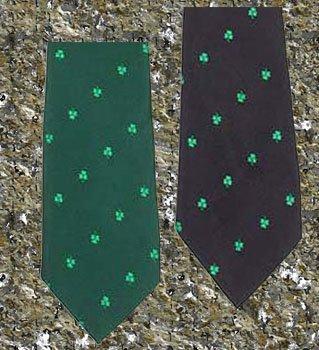 Shamrock Tie in Navy