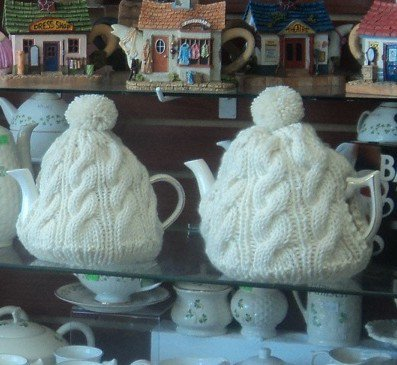 Aran Sweater Tea Cozy for 4 to 6 Cup Teapot