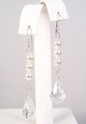 White Pearl and Clear Baroque Crystal - Vintage Style Wedding Earring