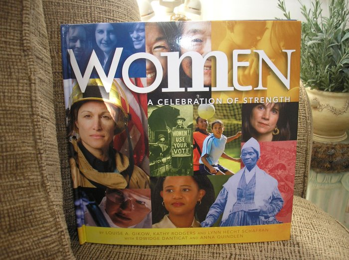 "WOMEN A CELEBRATION OF STRENGTH ""POP-UP INTERACTIVE MUSEUM EXHIBIT"" BOOK - BRAND NEW!"