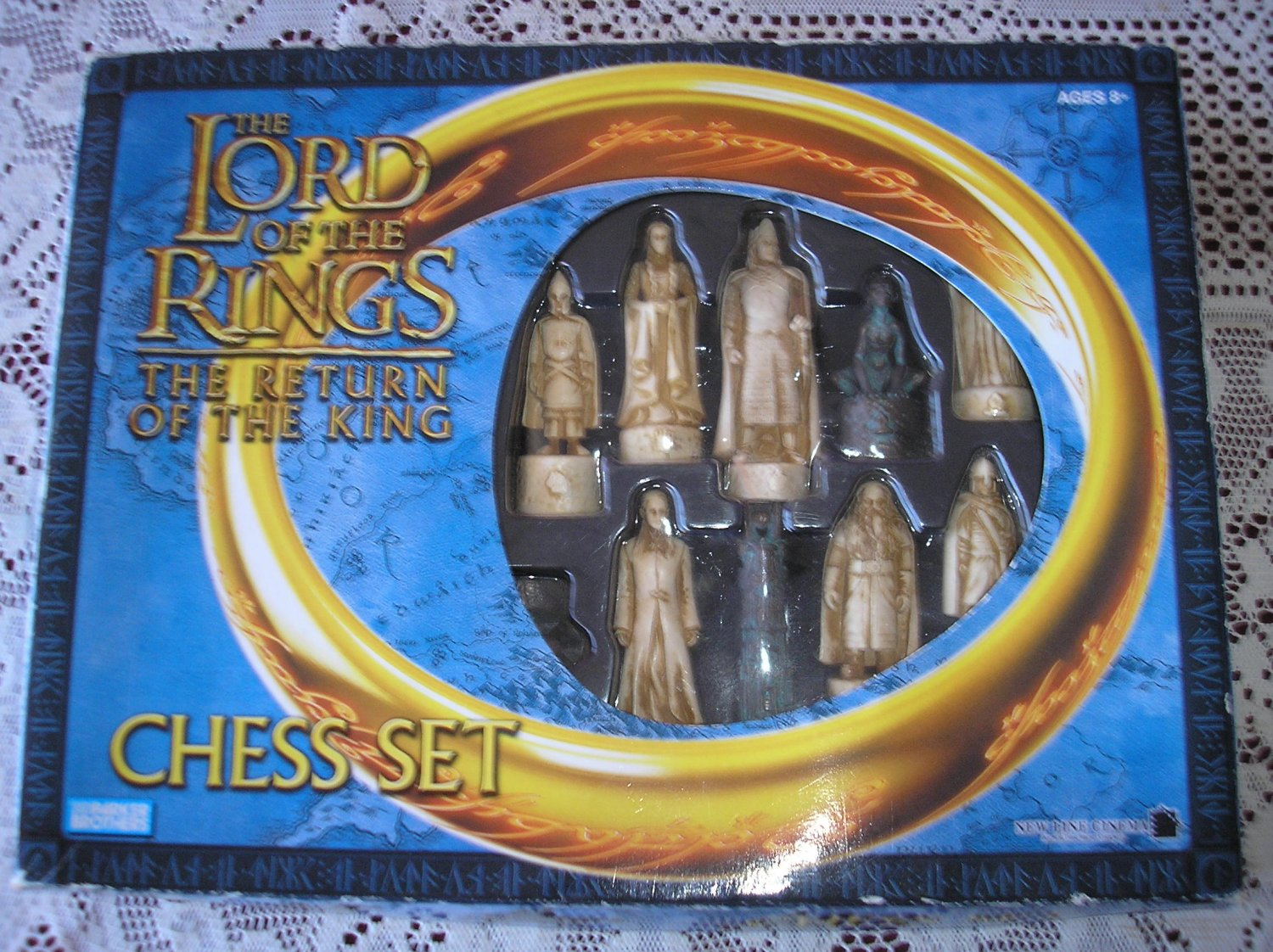 THE LORD of the RINGS: THE RETURN OF THE KING Chess Set by Parker Brothers from 2003!