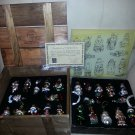 THOMAS PACCONI CHRISTMAS CLASSICS - 24 BLOWN GLASS ORNAMENTS in WOODEN CRATE from 2003!