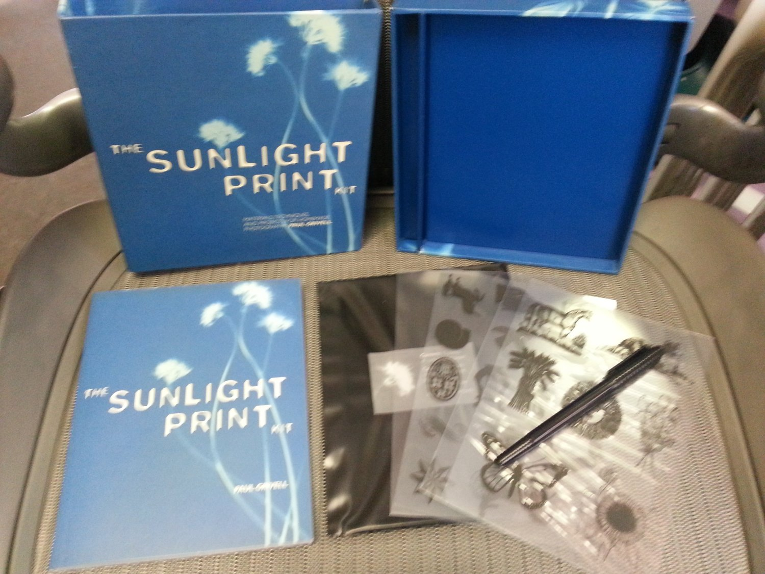 THE SUNLIGHT PRINT KIT: MATERIALS,TECHNIQUES & PROJECTS ...