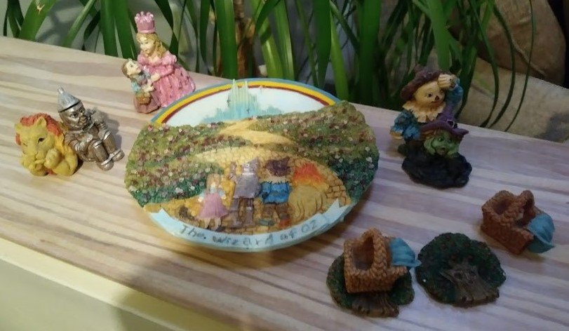 Vintage Popular Imports Polystone Resin 10 Piece Mini Tea Set 'Wizard of OZ' - NIB - RARE!