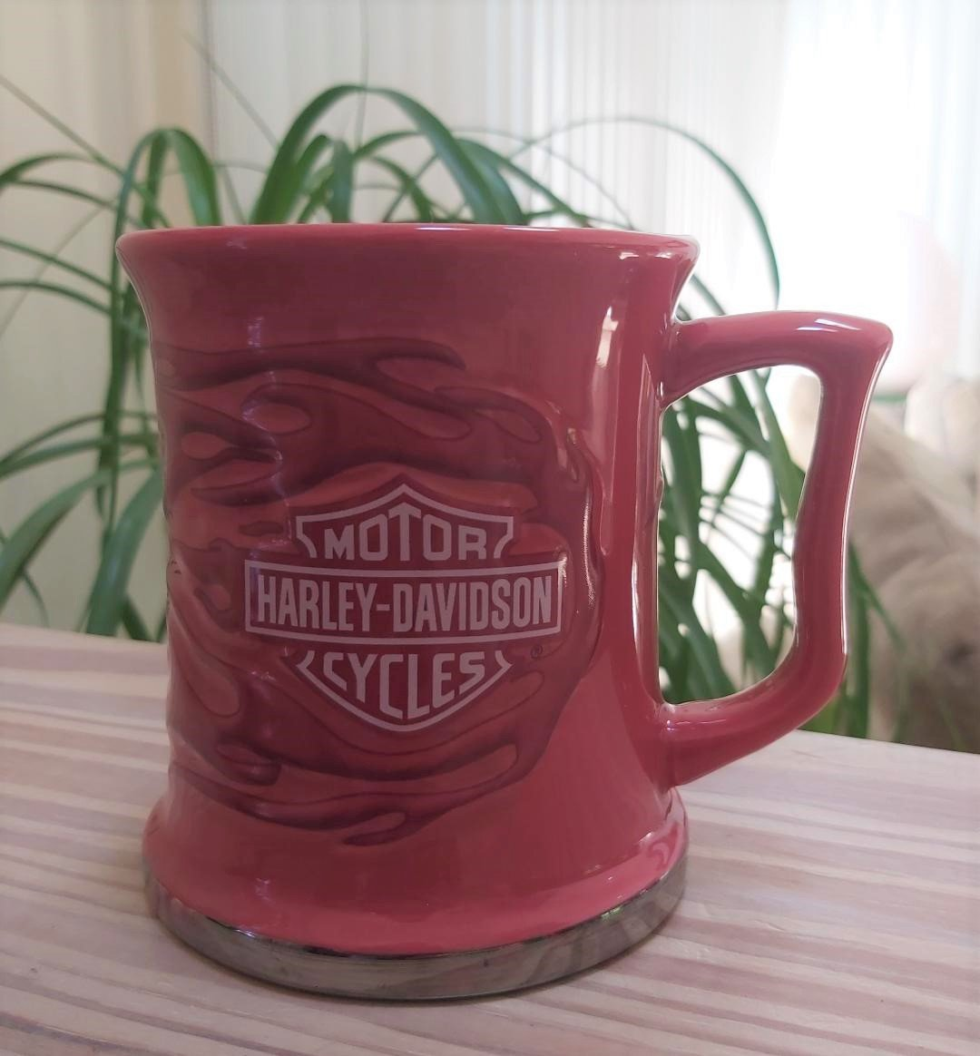 Harley-Davidson Motor Cycles Pink Duo Flame 13 oz. Relief Ceramic Coffee Cup / Mug by Russ - NWT!