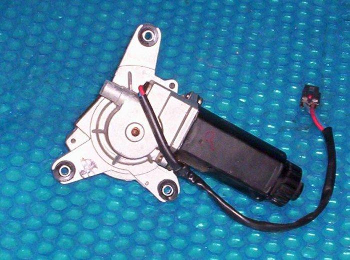 FORD TEMPO seatbelt motor  1994  RH  (R88)