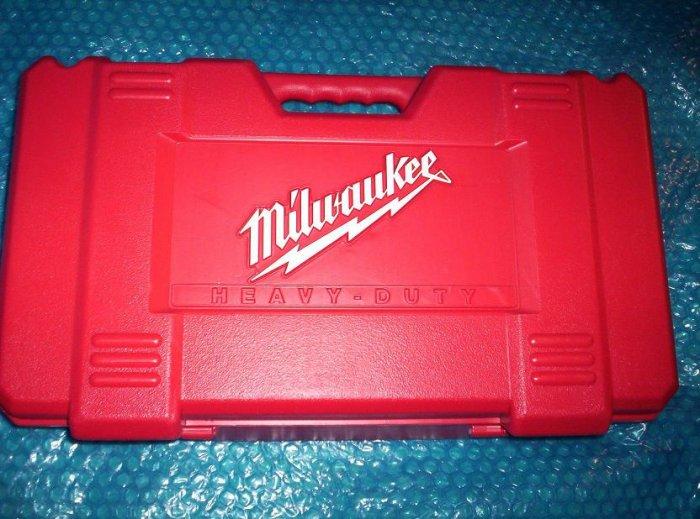 MILWAUKEE  TOOL  CASE 0624-24      (334)