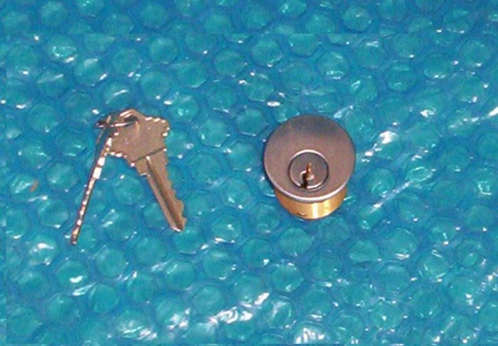 "COMMERCIAL STEEL DOOR LOCK Cylinder  1""X 1 1/4""  (870)"