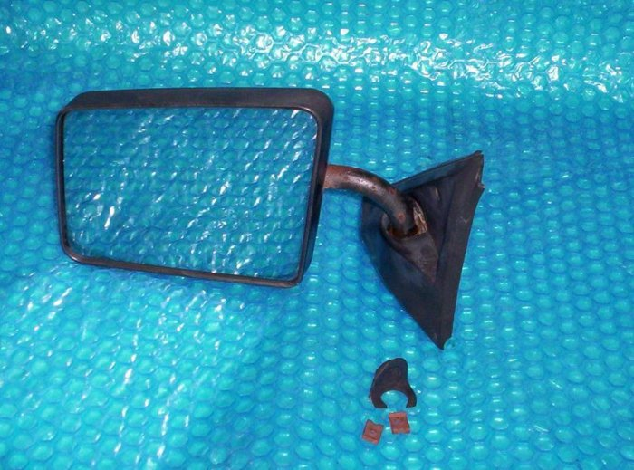 S10 BLAZER Driver Side View  Mirror LH 128-02391BL stk#(587)