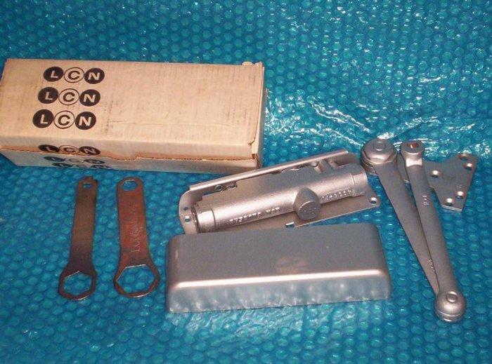 LCN  4132 Commercial    DOOR  CLOSER  RH      (930)