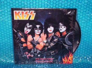 Kiss 2010 Special Edition Collector's Calendar ISBN  1423801466 stk#(1277)