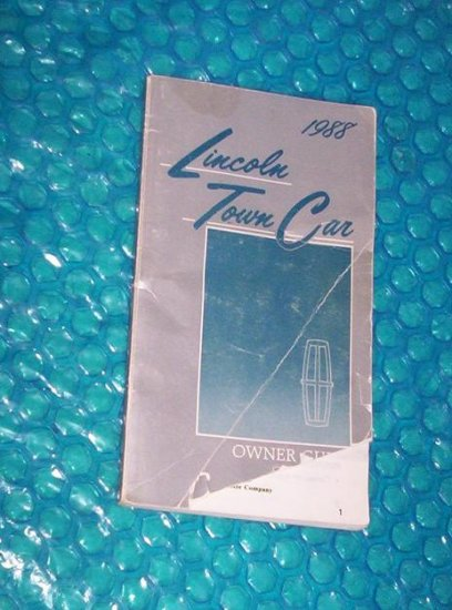 Owners Manual Lincoln Town Car 1988  FPS-12146-88C      stk#(1308)