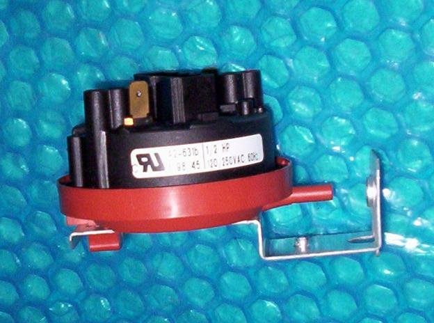 Maytag Water level pressure switch p/n: 62704190 stk#(1358)