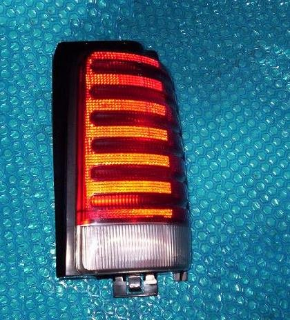 Dodge Caravan 1995 tail light RH stk#(1554)