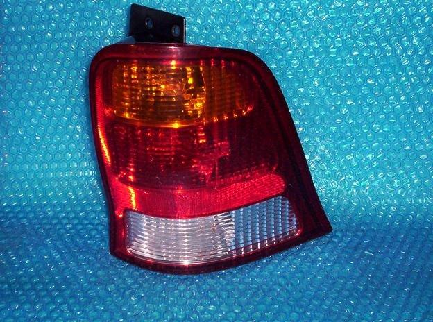 Ford Windstar  Tail Light - 2000 RH OEM# XF22-13B504-A   stk#(1715)