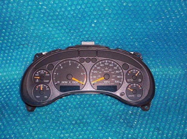 GMC JIMMY Speedometer Cluster 1998  stk#(1844)