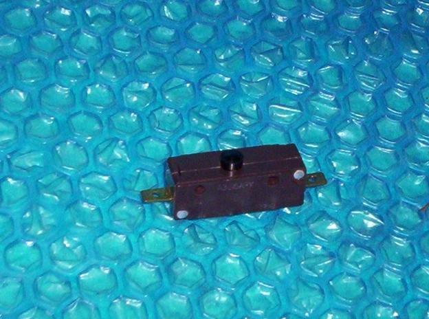 GE Dishwasher, Interlock switch  WD21X557, A365A-Y stk#(1868)