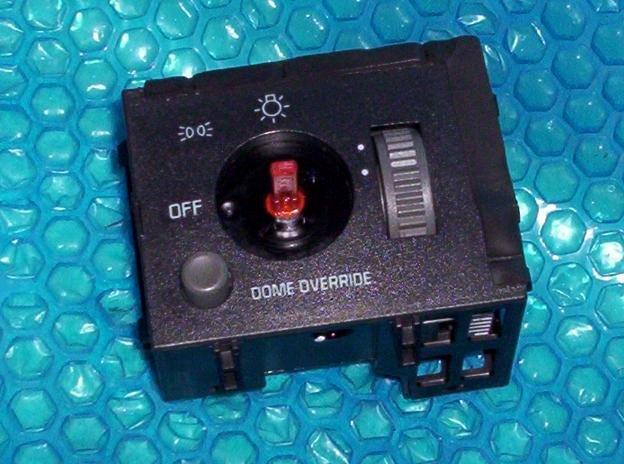 CHEVROLET  Headlight Switch 15013005 stk#(1917)