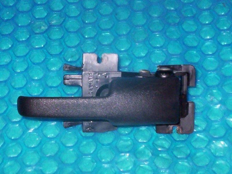 Ford Explorer/Mercury Mountaineer Inside Pull Handle RH  f17B-7822038-A  stk#(1384)