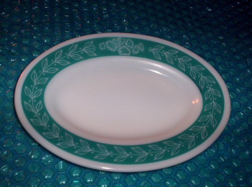 Vintage Oval Serving Platter   stk#(2185)