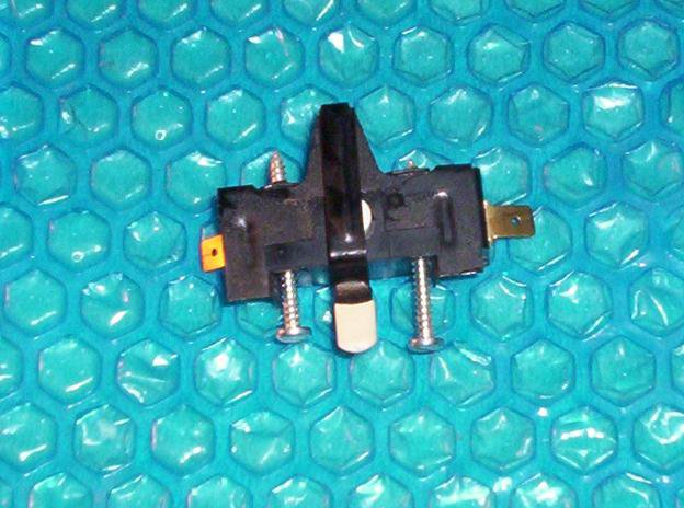 Whirlpool Dryer Door Switch 347207 (Whirlpool 279347)  stk#(2410