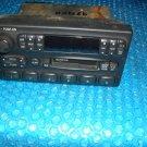 98 Ford 150 radio  stk#(4037)