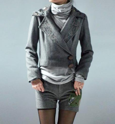 Gray Short Jacket Embroidery Collar