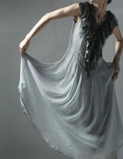 Dream lotus sleeveless dress