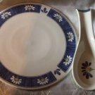 Oneida Spring Daisy Trivet and Spoon Rest