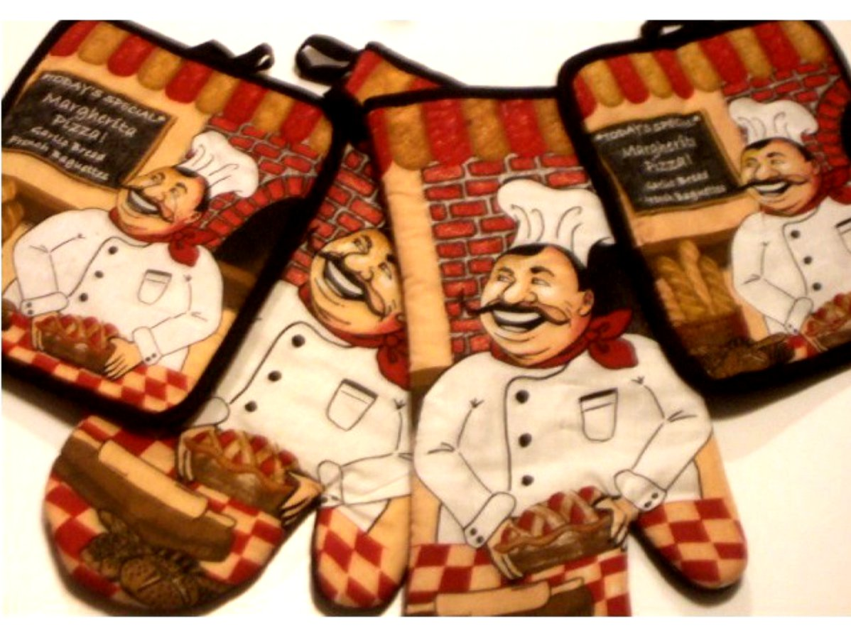 Happy Italian Chef Kitchen Linens Potholders Oven Mitts