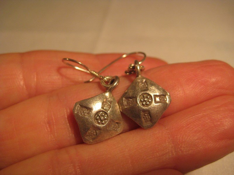 999 silver hill tribe flower earring earrings northern Thailand A15