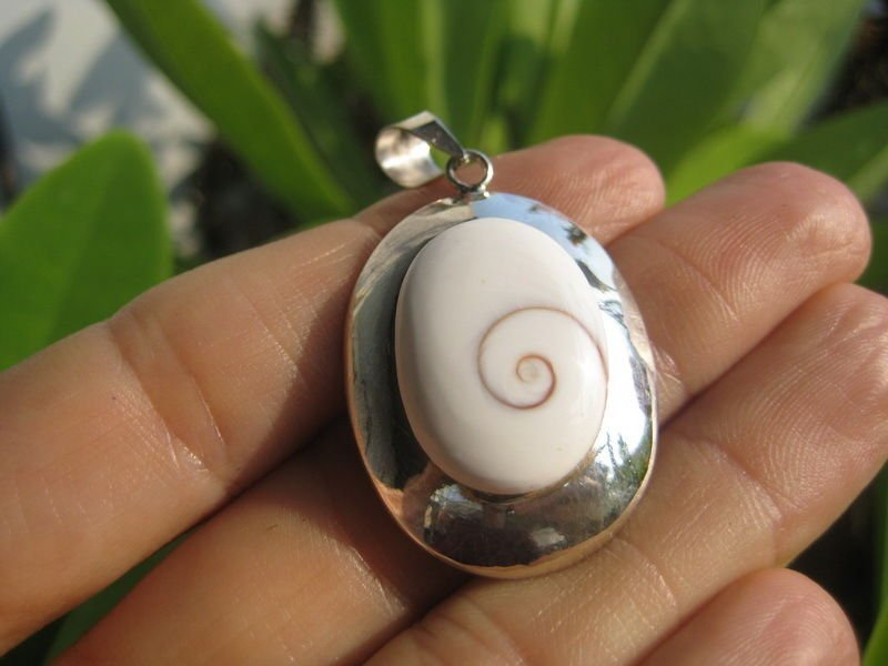 925 Silver Shiva eye sea shell Pendant Thailand jewelry art A16