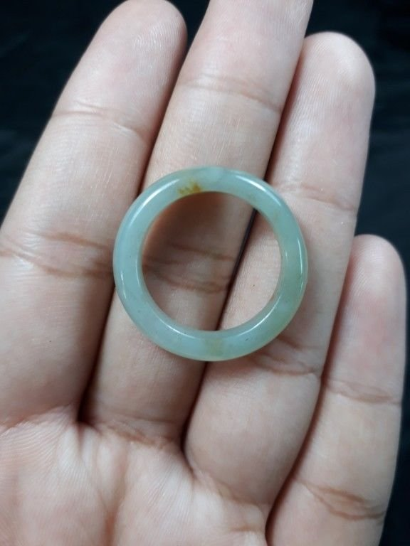 Natural  Grade A  Jadiete  Jade ring stone carving  Size  9.25  A7159