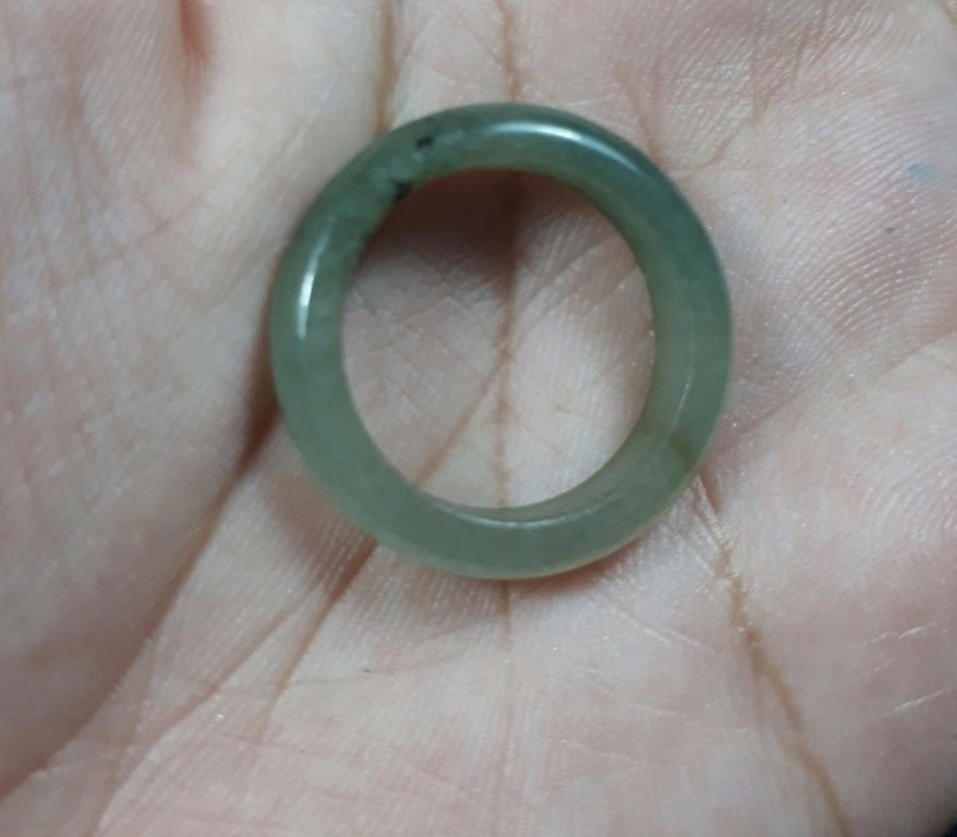 Natural  Grade A  Jadiete  Jade ring stone carving  Size 8.25 A7780