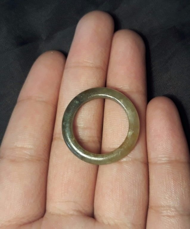 Natural  Grade A  Jadiete  Jade ring stone carving  Size 9.25  A760