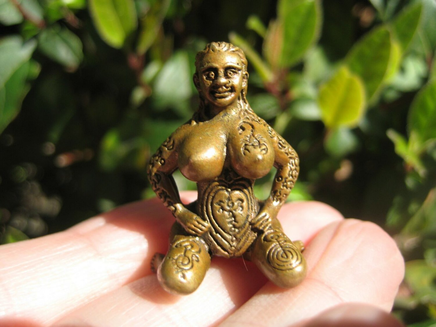 Brass Nude Lady Sitting Amulet Thailand Good luck charm Buddhist Blessing A486
