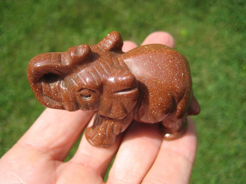 Natural Jasper gold stone goldstone Elephant Carving Statue Thailand Stone A42