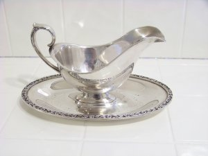primrose wm rogers & sons silverplate gravy boat & tray