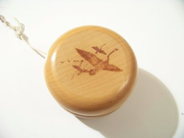 wood yo yo with geese on side toy yoyo