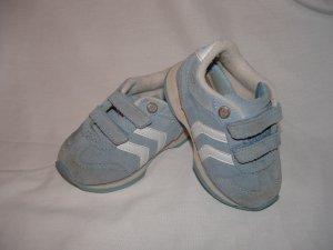 EUC Toddler Girls OSHKOSH Suede Tennis Shoes Sz 6 BTS