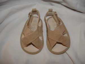 Baby Boy/Girl CHILDRENS PLACE Tan Suede Sandel 0-6 Mo